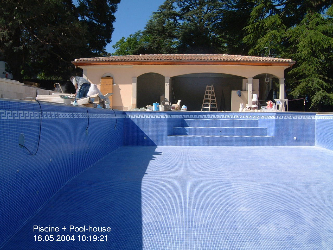 Cread ani res construction pool house piscine for Construction pool house piscine